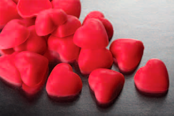 Красное сердечко украшение