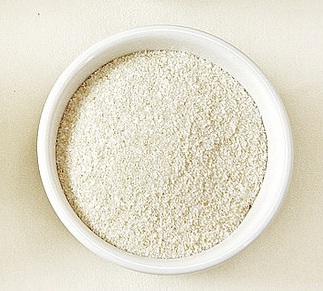 бензоат натрия в чашке белой