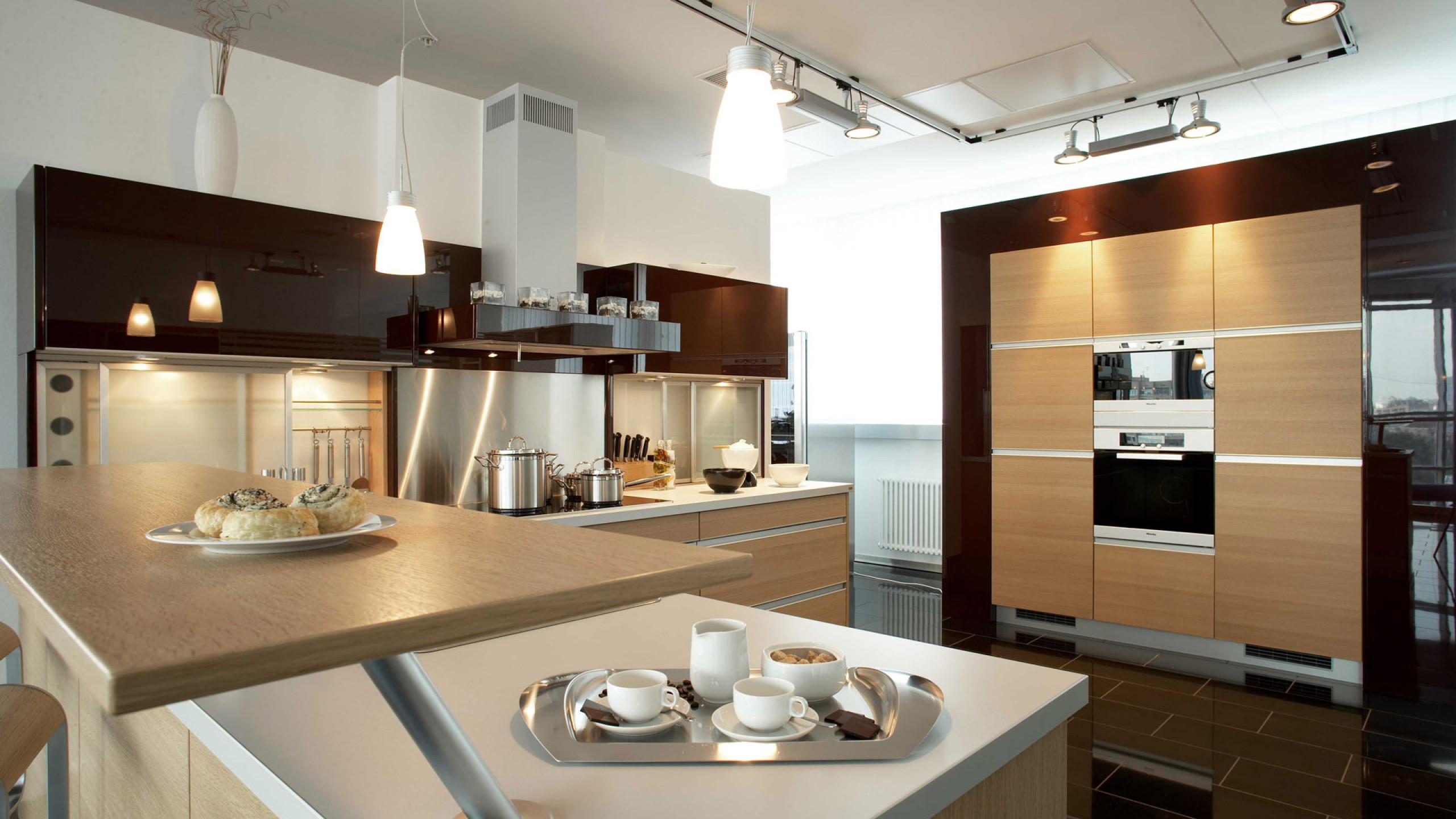 Дизайны больших кухонь фото