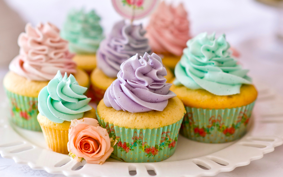 Разноцветный кекс
