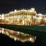 Жители Петербурга маскируют кризис сладким