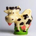 Корова на полянке
